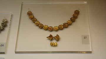 Mycenaean Gold Jewellery Pieces