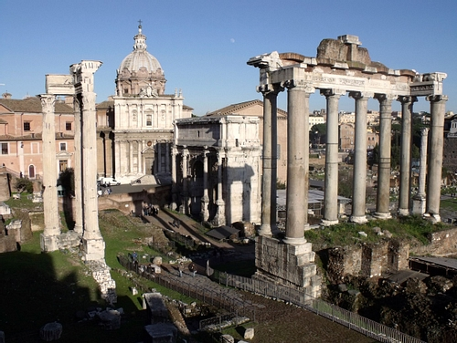 Temple of Saturn, Rome (by Elias Rovielo)