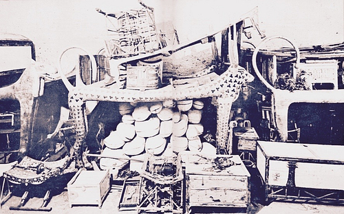 The Celestial Cow Funerary Bed of Tutankhamun (by wikipedia, CC BY-NC-SA)