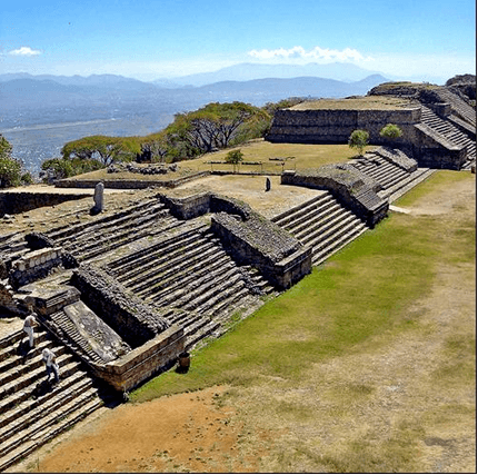 Monte Alban (by Gumr51, CC BY-SA)