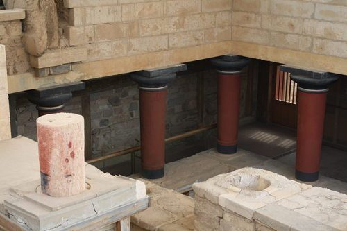 The Palace of Knossos (by Mark Cartwright)