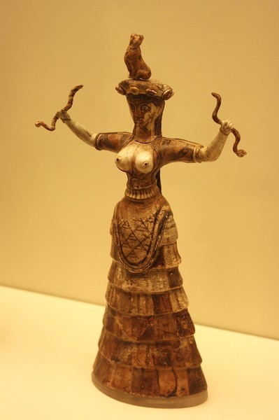 Minoan Snake Goddess, Knossos. (by Mark Cartwright, CC BY-NC-SA)