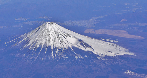 Mount Fuji, Aerial View (by Manish Prabhune, CC BY)