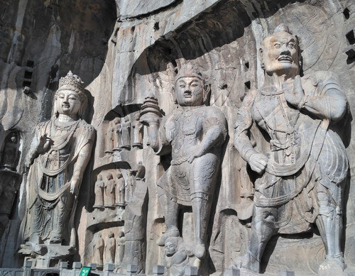Longmen Grottoes - Attendants at Fengxiansi Cave (by Benjamin Oswald, CC BY-NC-SA)