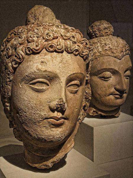 Bodhisattva Head, Gandhara (by Mary Harrsch (Photographed at The Art Institute of Chicago), CC BY-NC-SA)