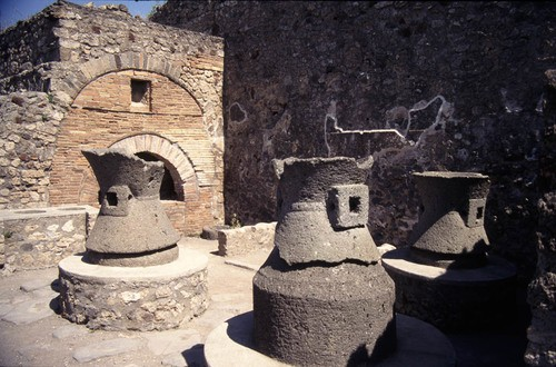 A Pompeii Bakery (by Penn State Libraries Pictures Collection, CC BY-NC-SA)