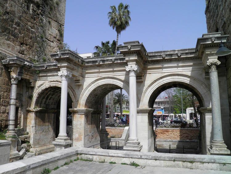 Gate of Hadrian,  Antalya
