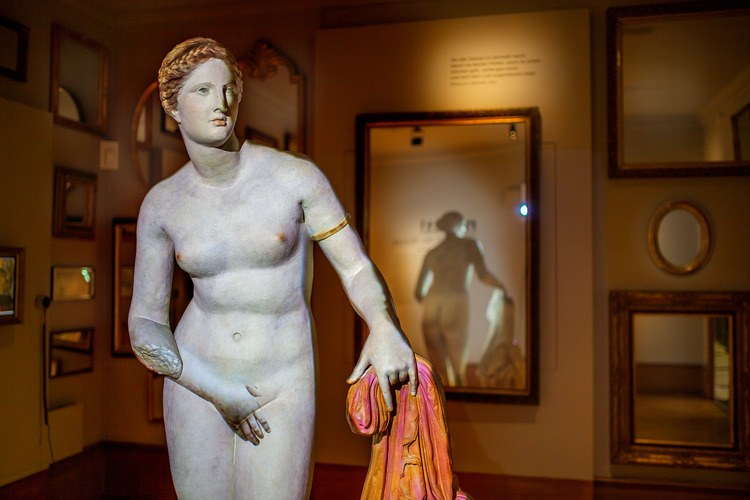 Aphrodite of Knidos with Colours